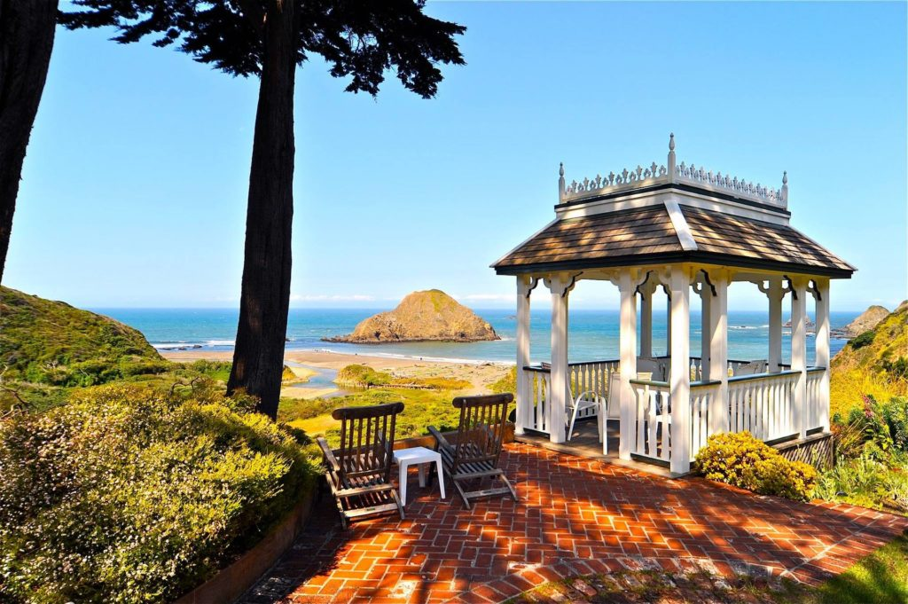 Elk Cove Inn and Spa gazebo